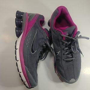 Nike Shox Turmoil Running Shoes  W7.5 😍